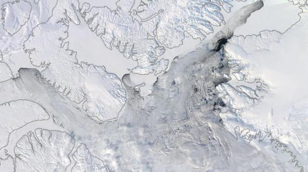 Baffin Bay Nares Extensive cracked ice open water