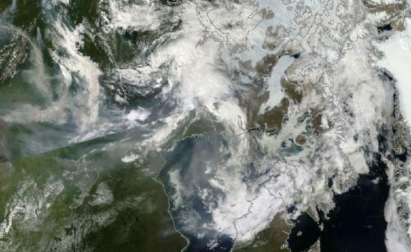 Smoke from Canadian Wildfires drifts toward Greenland