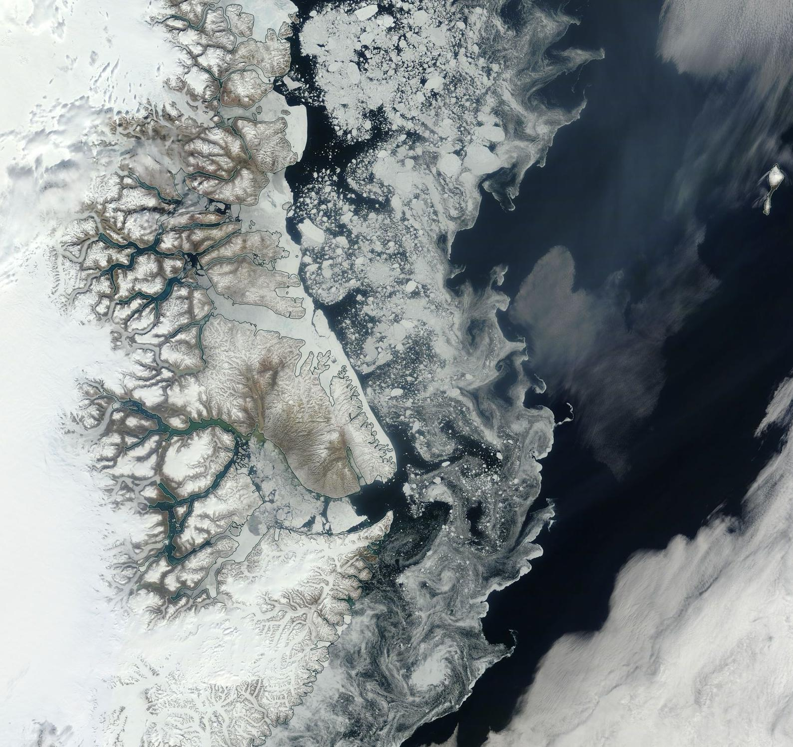 Risultati immagini per dark snow arctic