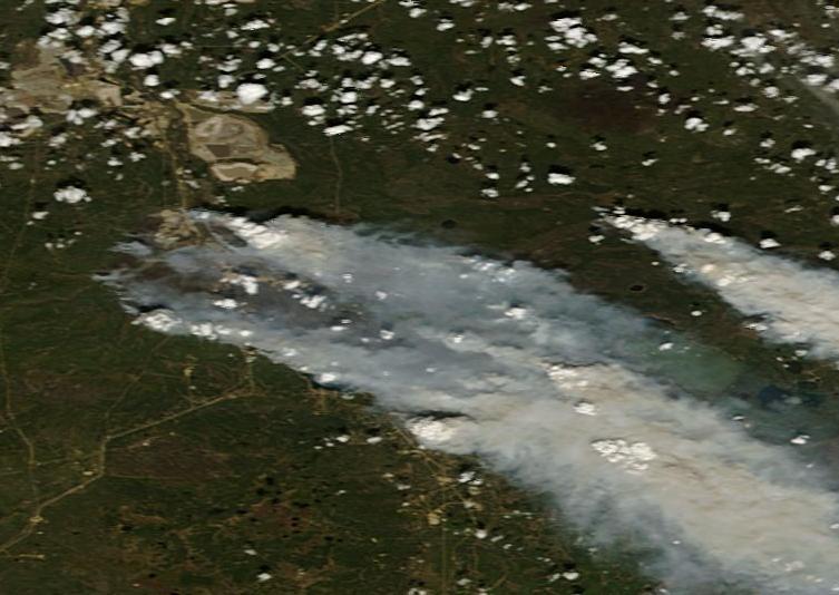 Fort McMurray Fire May 6 v2 NASA