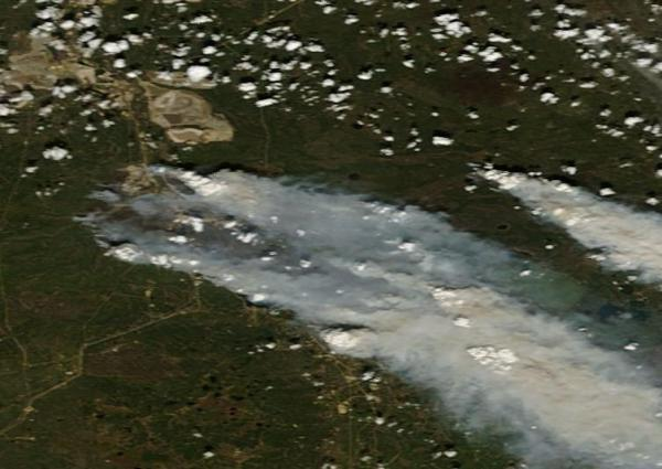Fort McMurray Fire May 6 v2 NASA