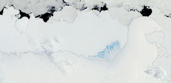 king-baudouin-ice-shelf-melt-summer-2017
