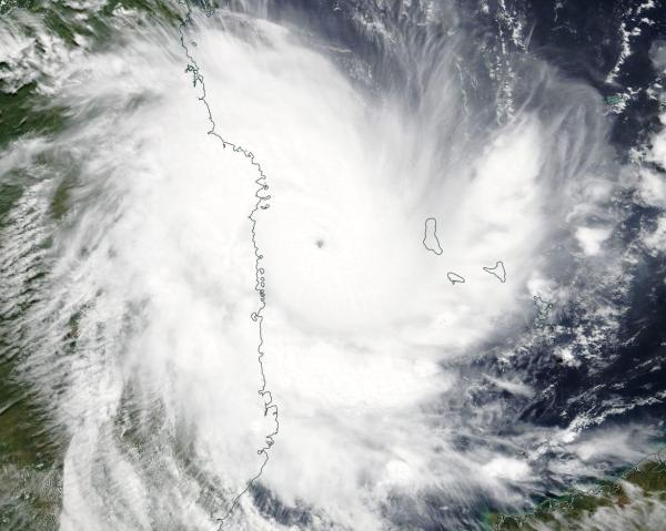Kenneth approaches Mozambique